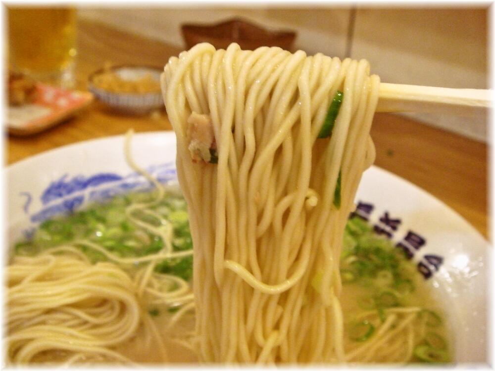 元祖長浜屋台 ラーメンの麺
