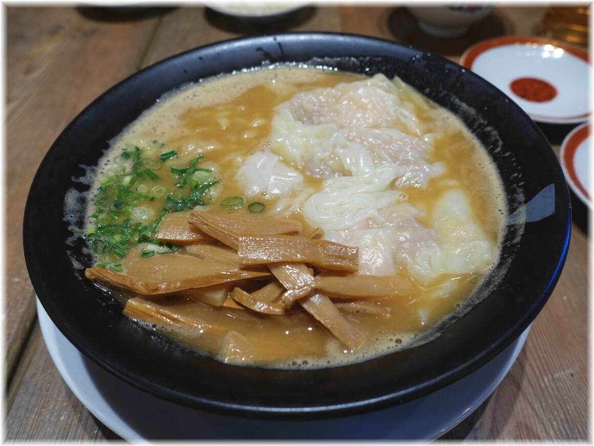 広州市場田町店2 濃厚海老雲呑麺