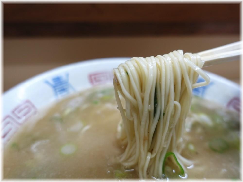 八ちゃんラーメン4 ラーメンの麺