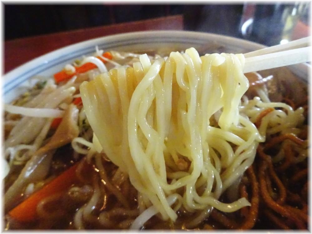 品香亭 スペシャル麺の麺
