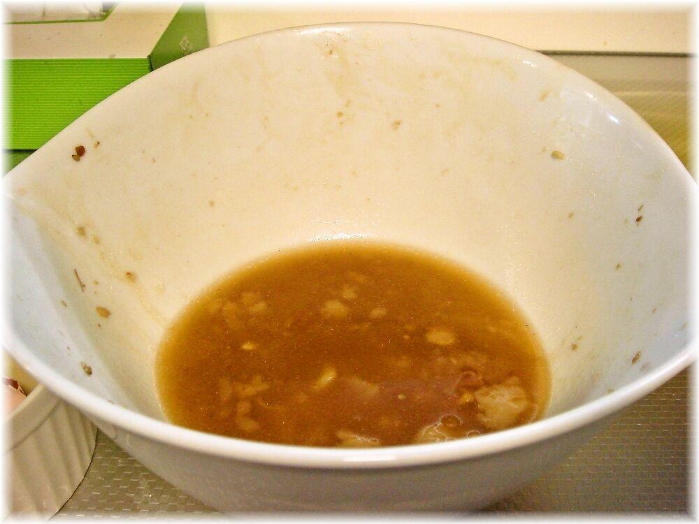 北郎 汁無油あえそばのスープ