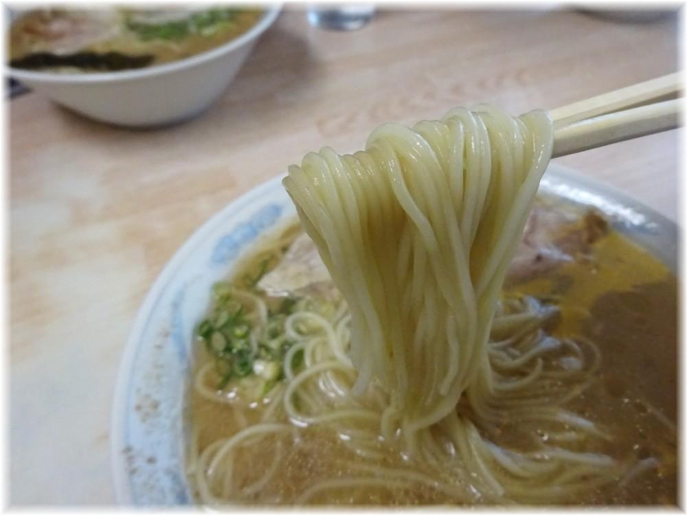 天琴山鹿 ラーメンの麺