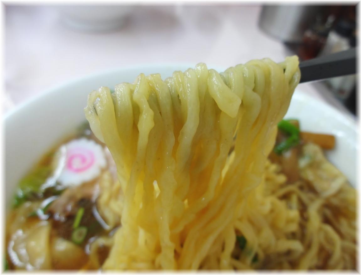 国味 チャーシューワンタンメンの麺