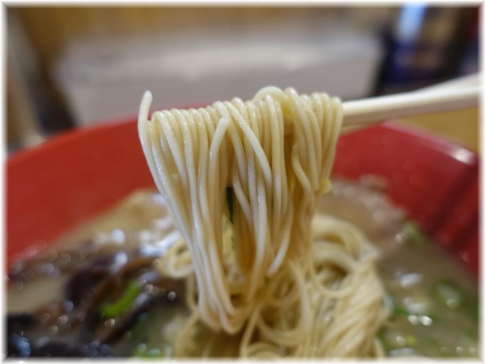 どらいん 九州とんこつどらいんラーメンの麺