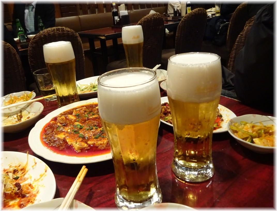 楊2号店 生ビールと卓上