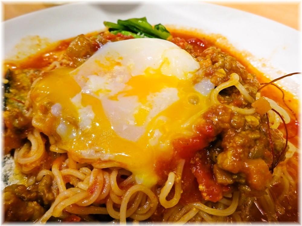 太陽のトマト麺三田店2 茄子と挽肉のアラビアータ冷麺の具3