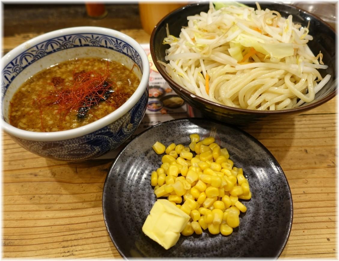 三田製麺所7 濃厚魚介味噌つけ麺にバターコーン