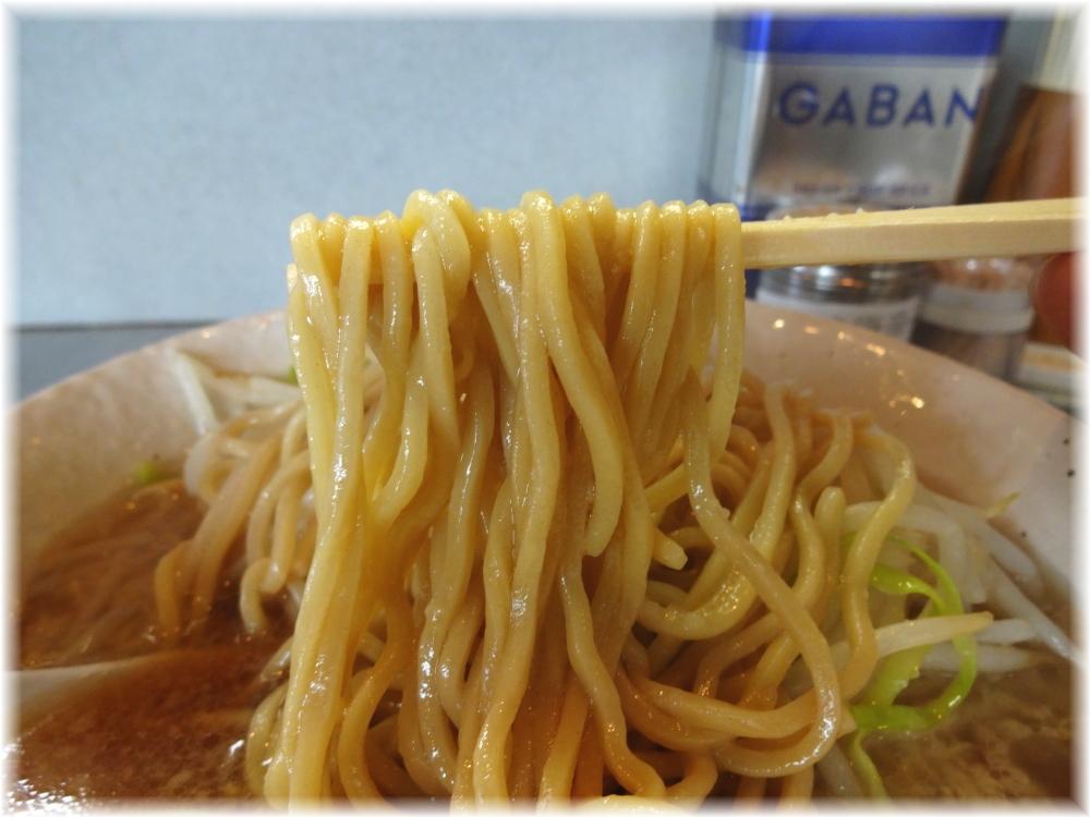 ラーメン虎ノ門店 ラーメンの麺