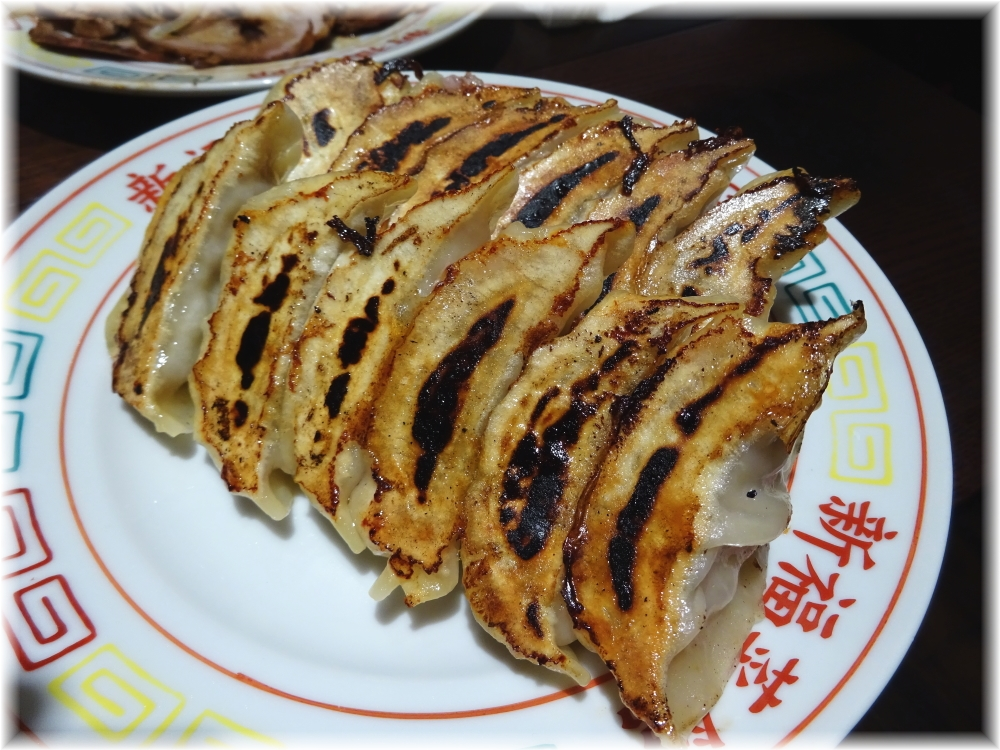 新福菜館 お二階隠れ 焼餃子
