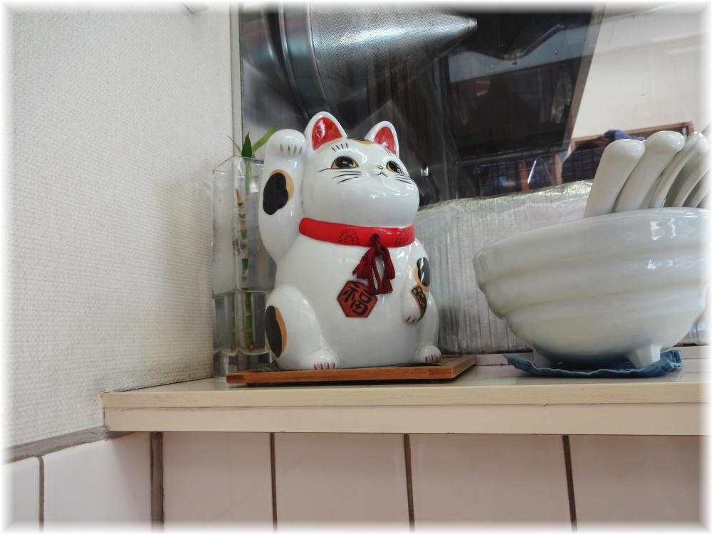 ふくみみ 店内の招き猫