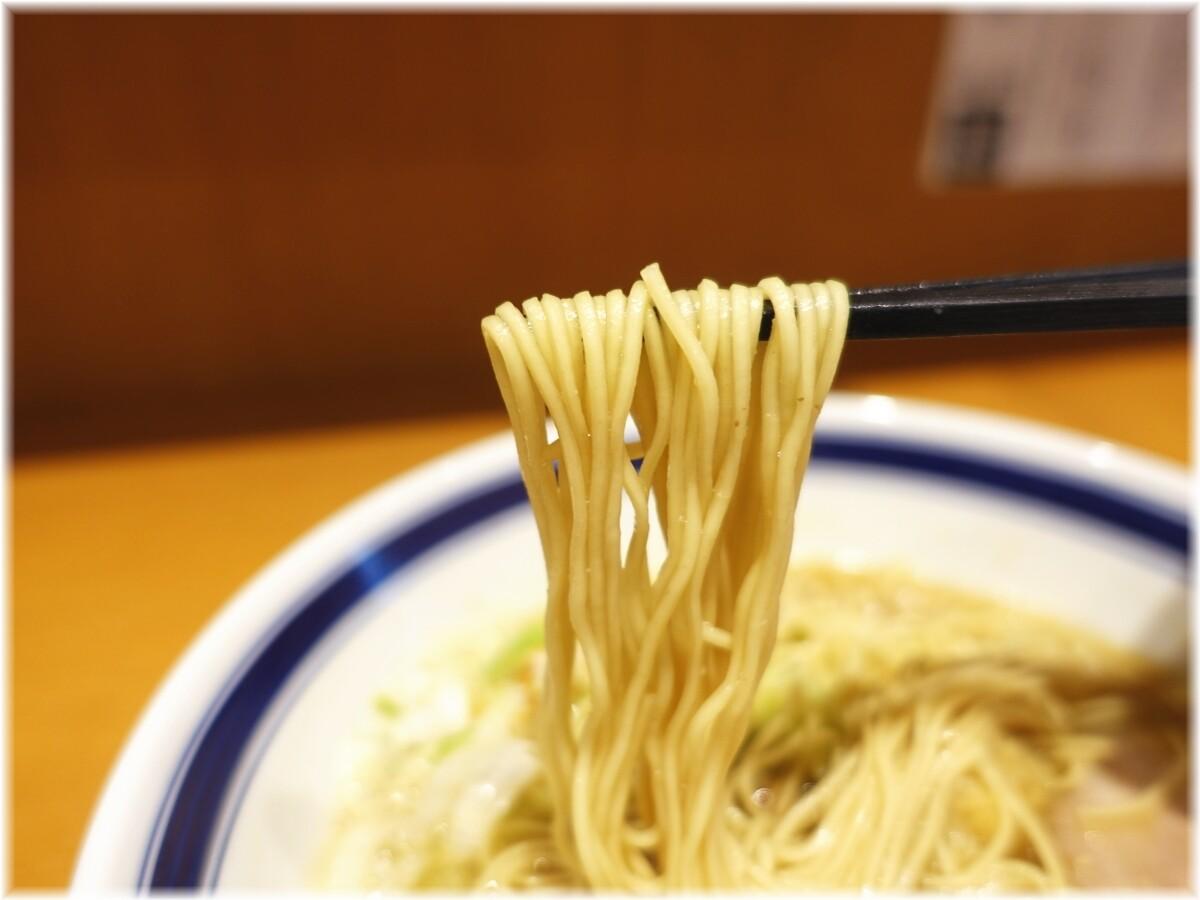 孫鈴舎神田大手町店 朝ラーメンの麺