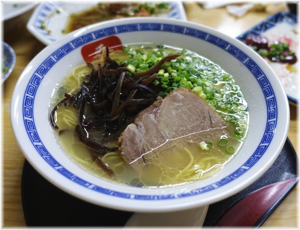 長浜らーめん呑龍2 長浜ラーメン(博多麺)