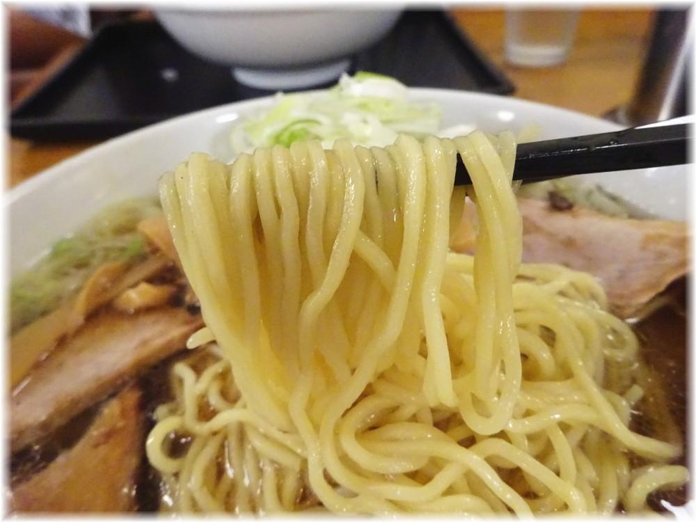 淵野辺大勝軒 らーめんふつう(ネギ多め)の麺