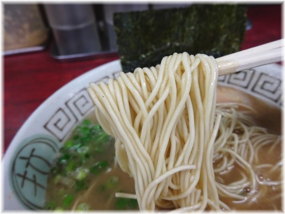 楓神 ラーメンの麺