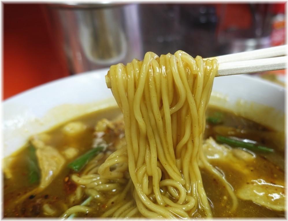 中華大元 ガーリーメンの麺