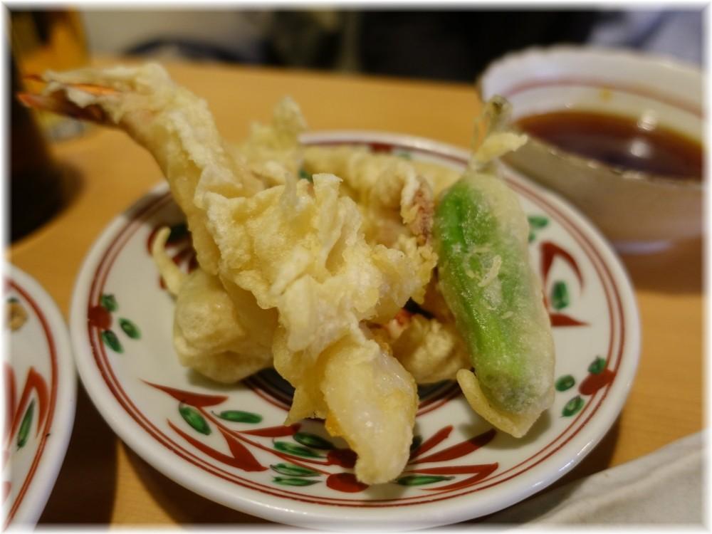 肉そば 鶏中華 最上川 天ぷら盛り合わせ
