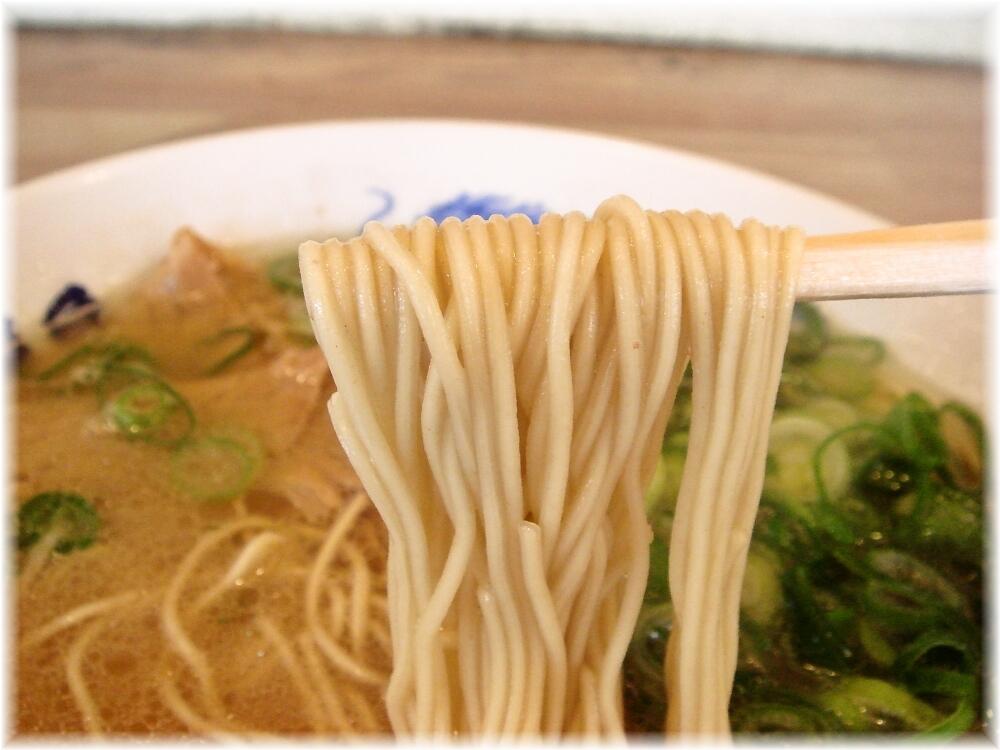 長浜屋台 ラーメンの麺