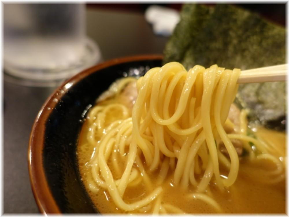 山崎家 ラーメンの麺