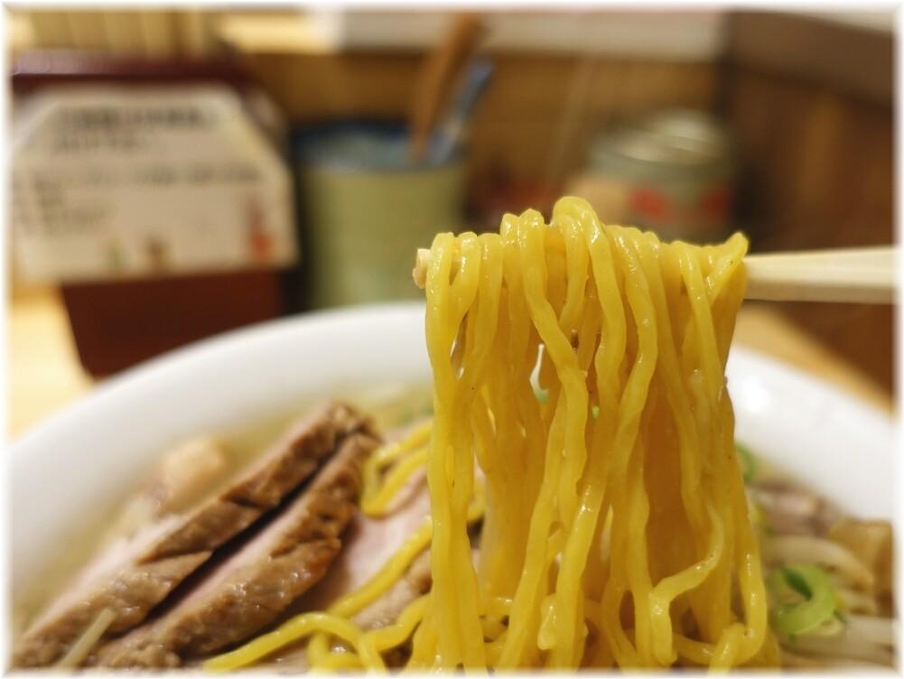 三ん寅 チャーシューメン(炒めもやし)の麺