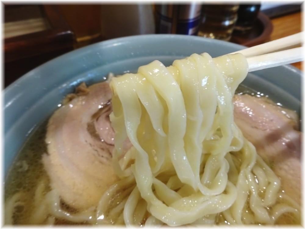 榮ラーメン チャーシューメンの麺