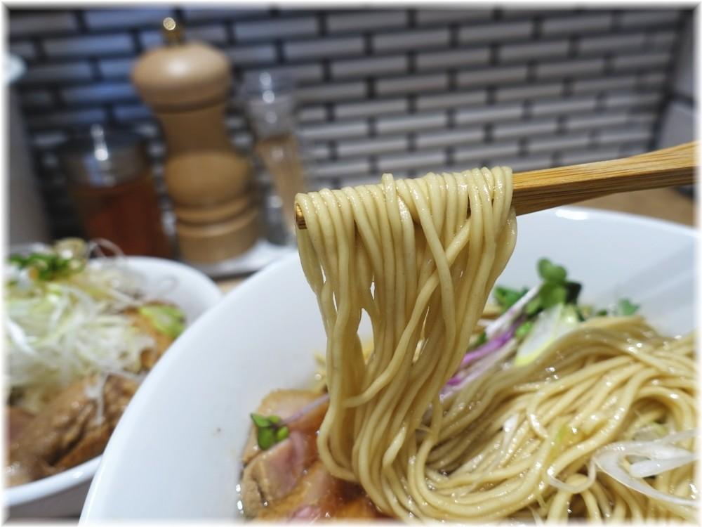 中華ソバビリケン 中華ソバの麺