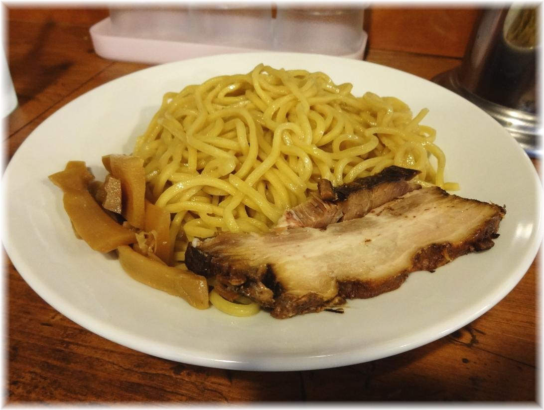 栄秀2 味噌つけ麺の麺1