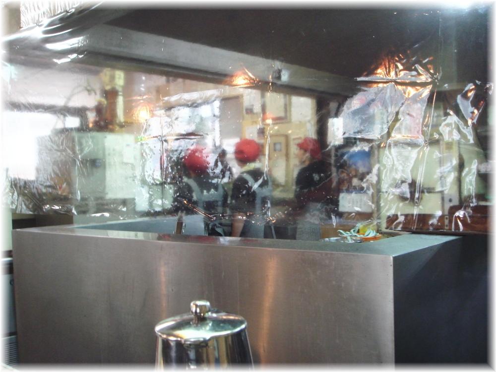 餃子会館 厨房