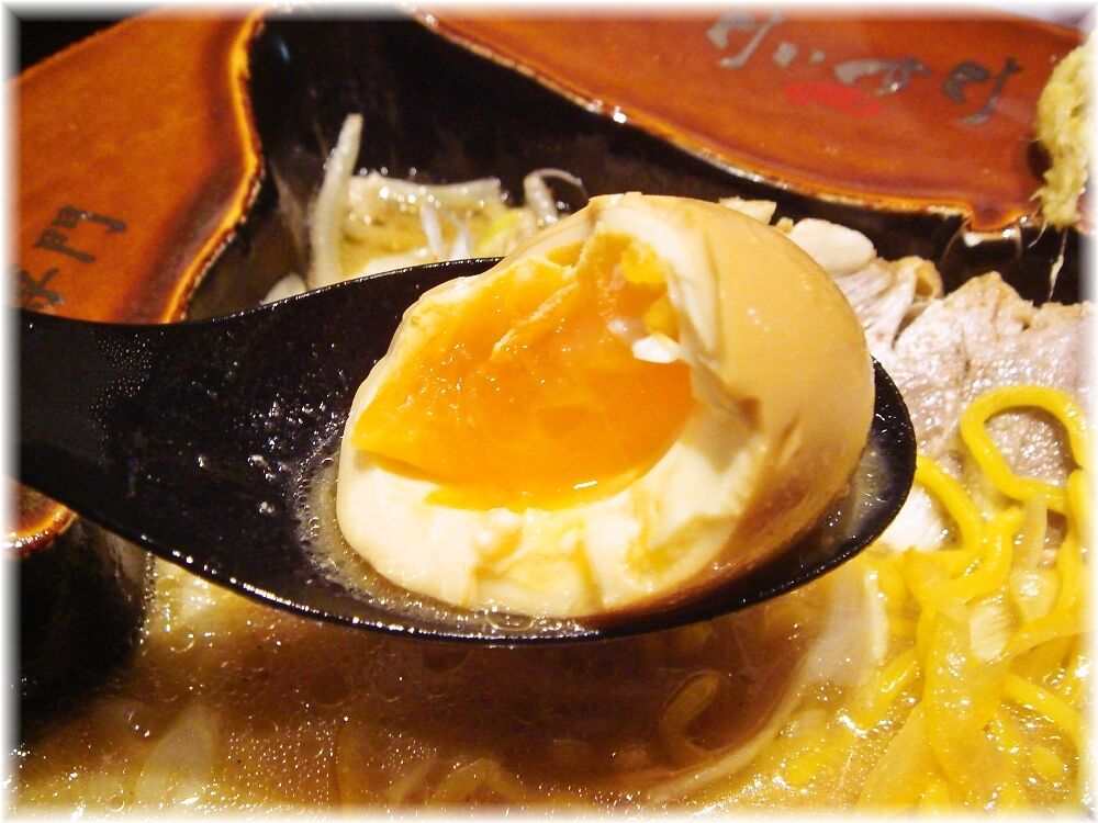 蟹専門けいすけ北の章 極上渡り蟹の味噌ラーメンの味玉