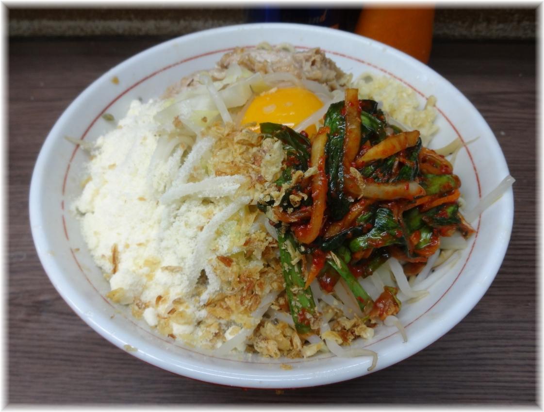 関内二郎 汁なし+ニラキムチ+粉チーズ