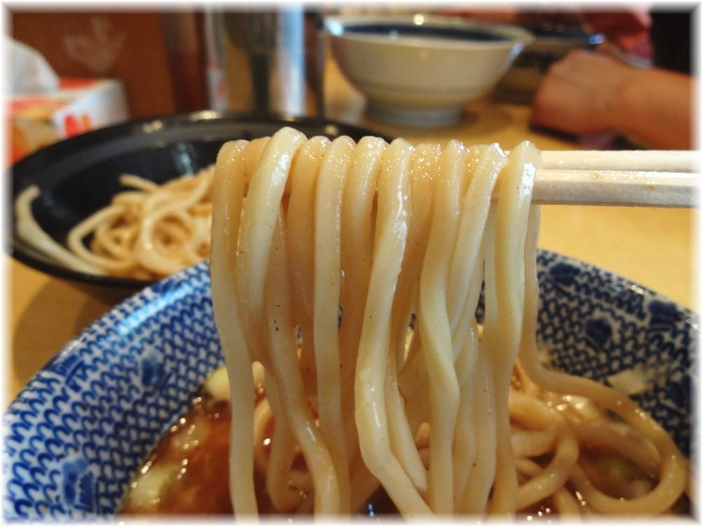 くり山 つけめんの麺2