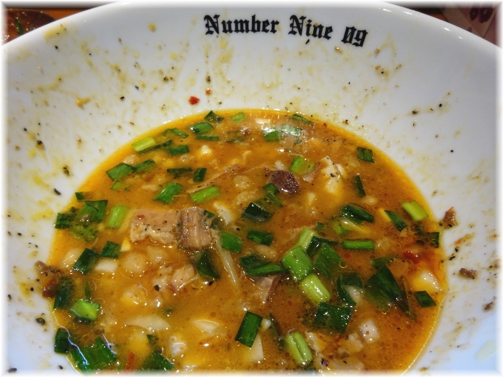 麺DiningNumber Nine09 油そばBLACKのスープ割り