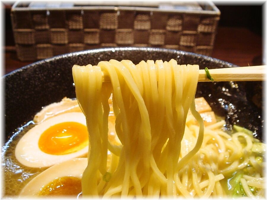 麺喰屋Senmi 特製塩らー麺の麺