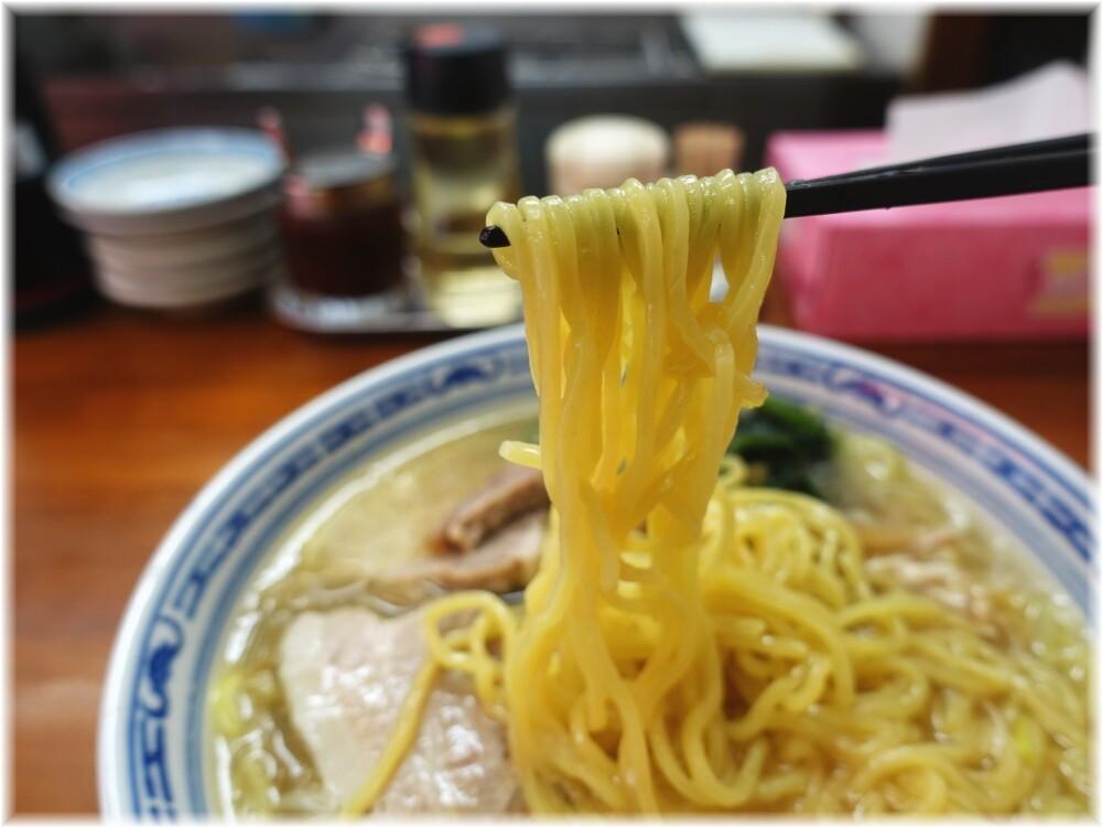 りょう華 工場店 上湯麺の麺