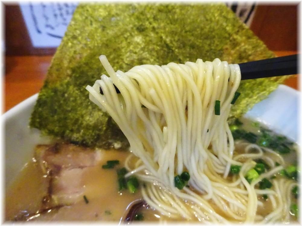 ガッキ 豚骨らーめんの麺