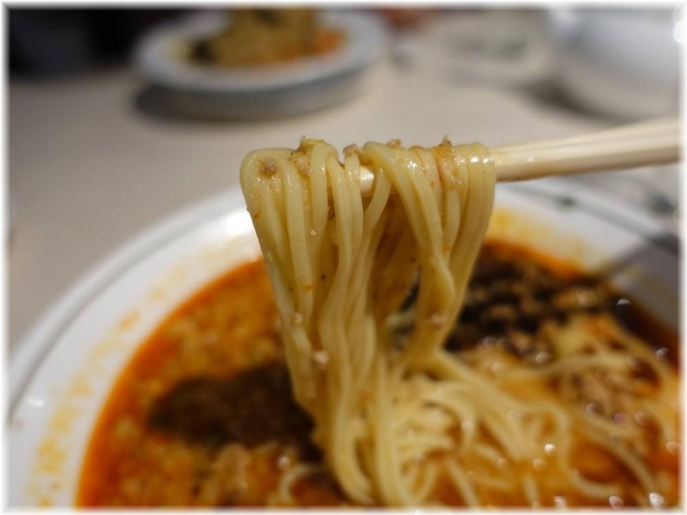 中国飯店三田店 麻辣担々麺の麺