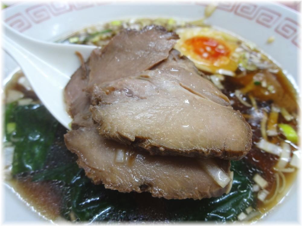 昭和歌謡ショー 半熟味付玉子入り中華そばのチャーシュー