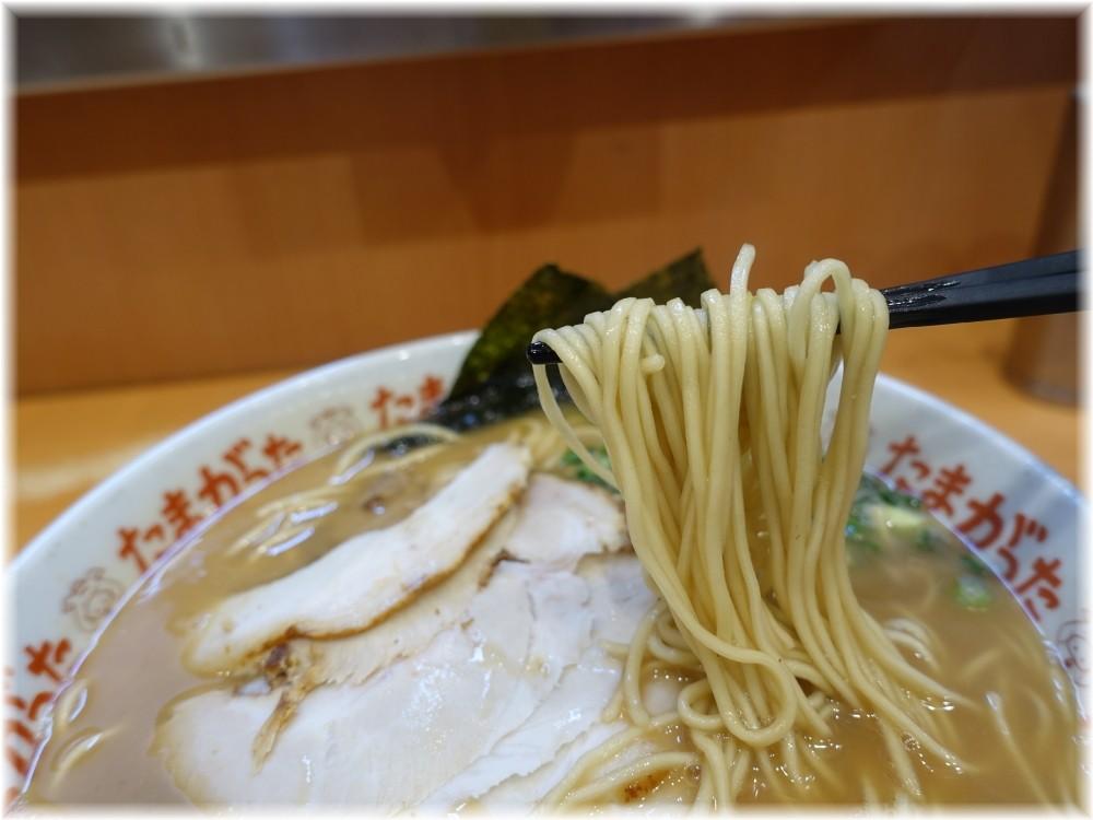たまがった横浜西口店 チャーシューメンの麺
