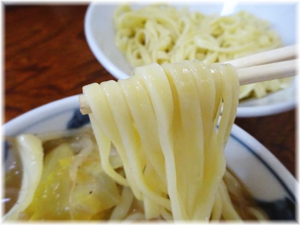ひかり 野菜つけ麺の麺2