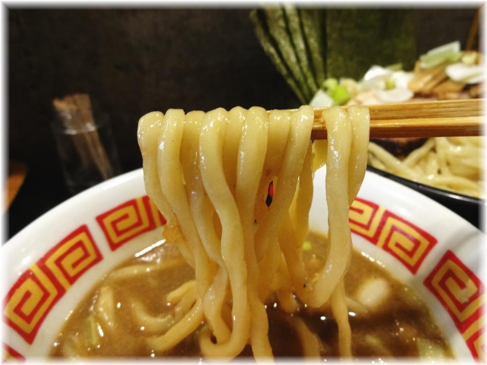 ラーメン凪煮干王西新宿店 特製つけ麺の麺