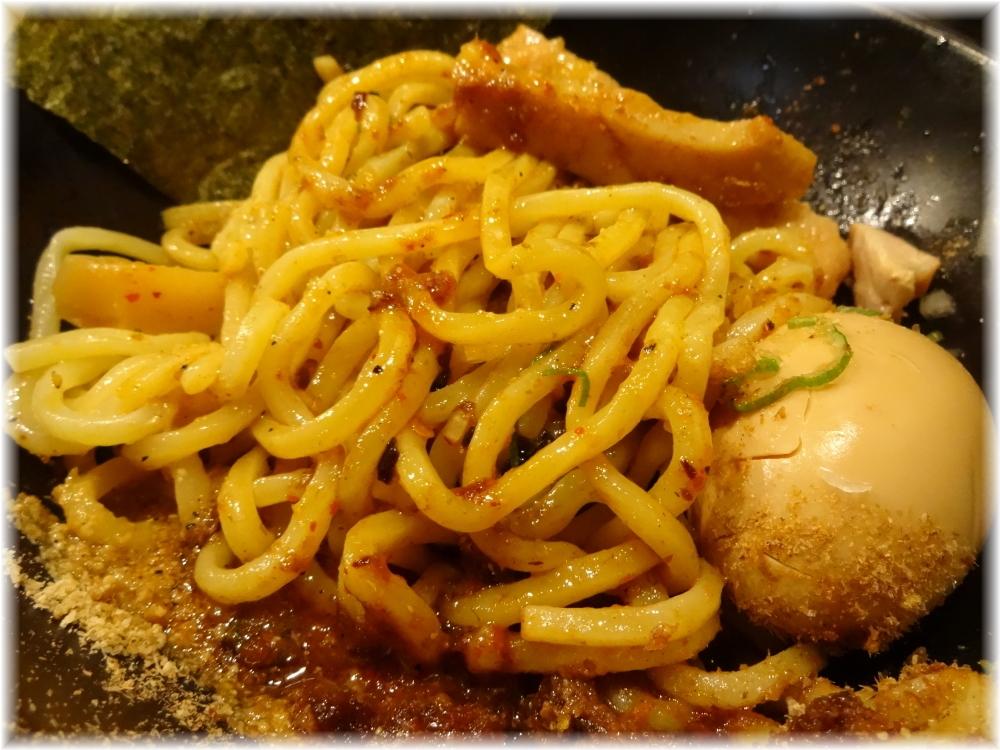 あびすけ西新宿7丁目店 味玉辛味油そばの混ぜた後