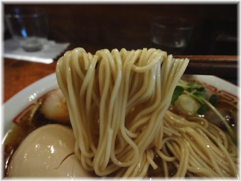 中華そばしば田 味玉チャーシュー中華そばの麺