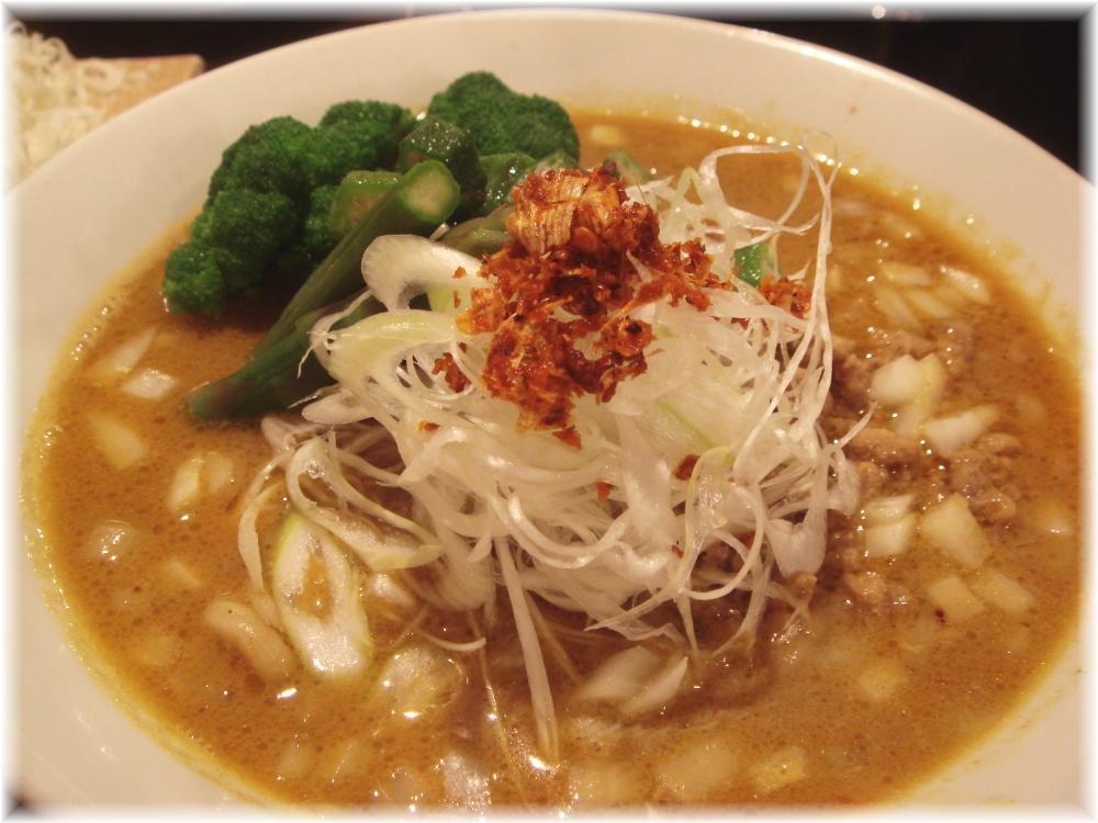 金町製麺 ポークスパイシー麺