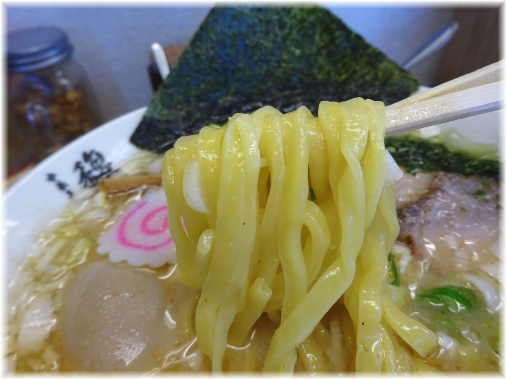 中華そば馥 山形辛味噌らーめんの麺