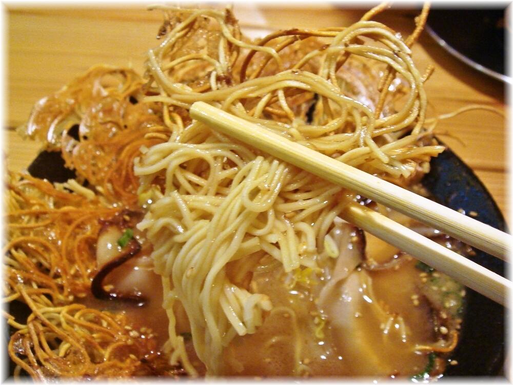 壱の家 豚骨焼麺の麺2