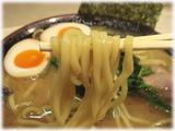 神田ラーメンわいず 玉子ラーメンの麺