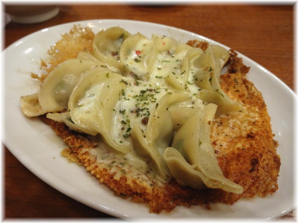 博多うま馬 渋谷ヒカリエ店 チーズ餃子