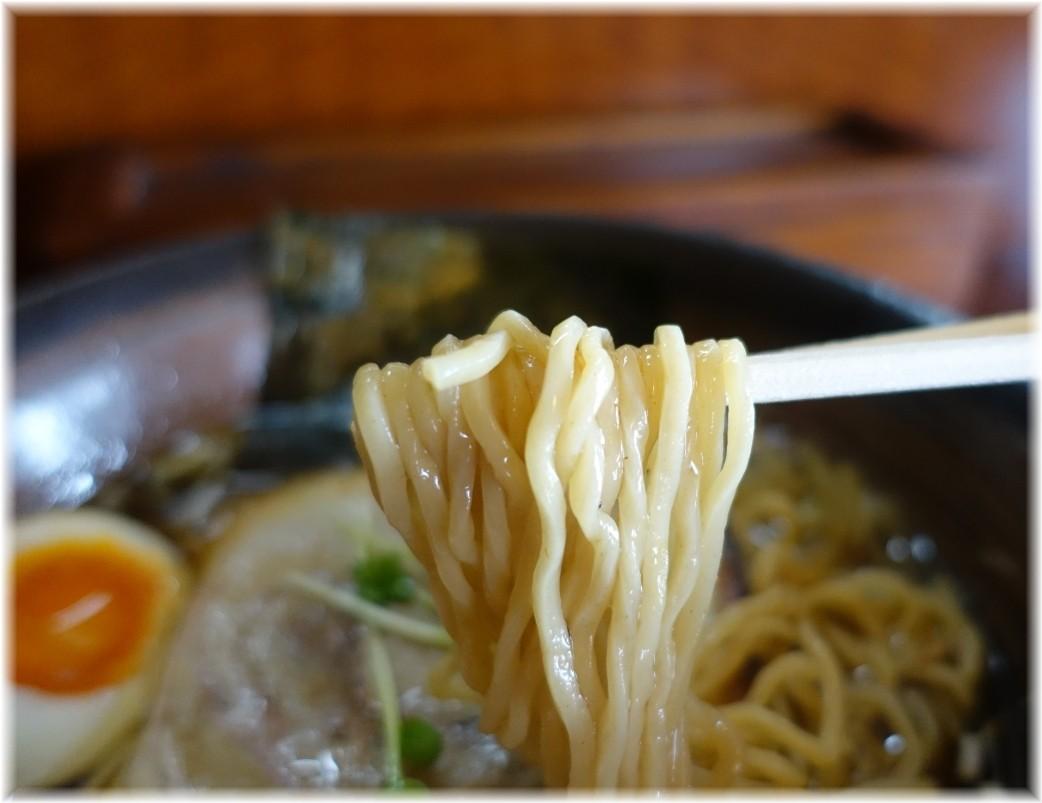 和風らーめん凪 凪ラーメン(醤油)の麺