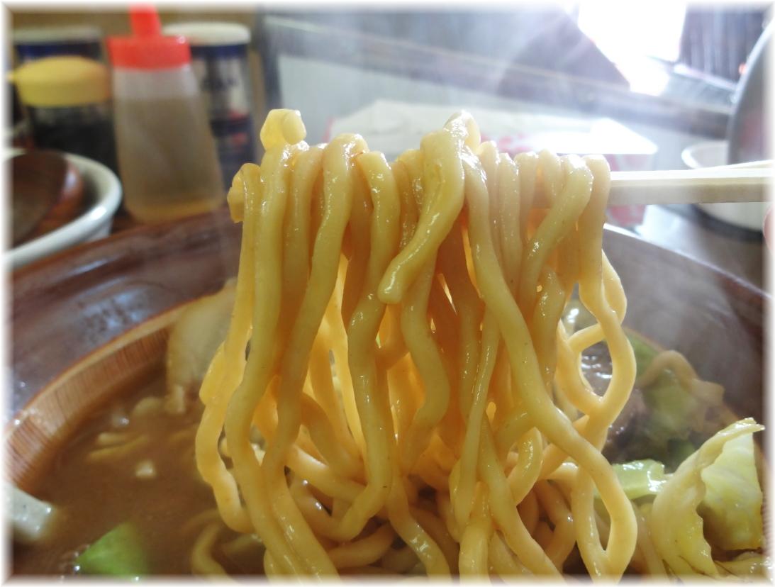 ラーメン東横 特製味噌ラーメンの麺
