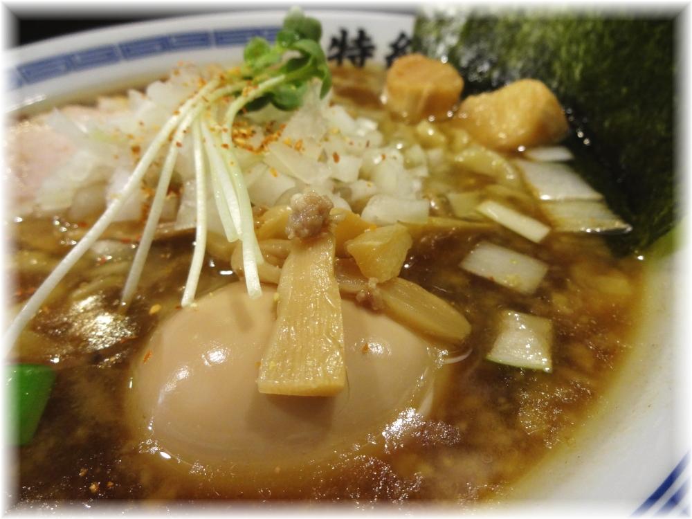 煮干王西新宿店 特製100%鶏らあめんの具