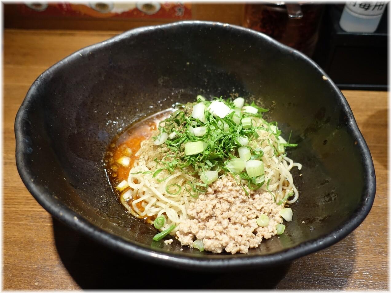 キング軒神田スタンド 汁なし担担麺3辛にセロリトッピング